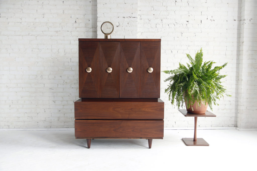 Midcentury modern American of Martinsville dresser