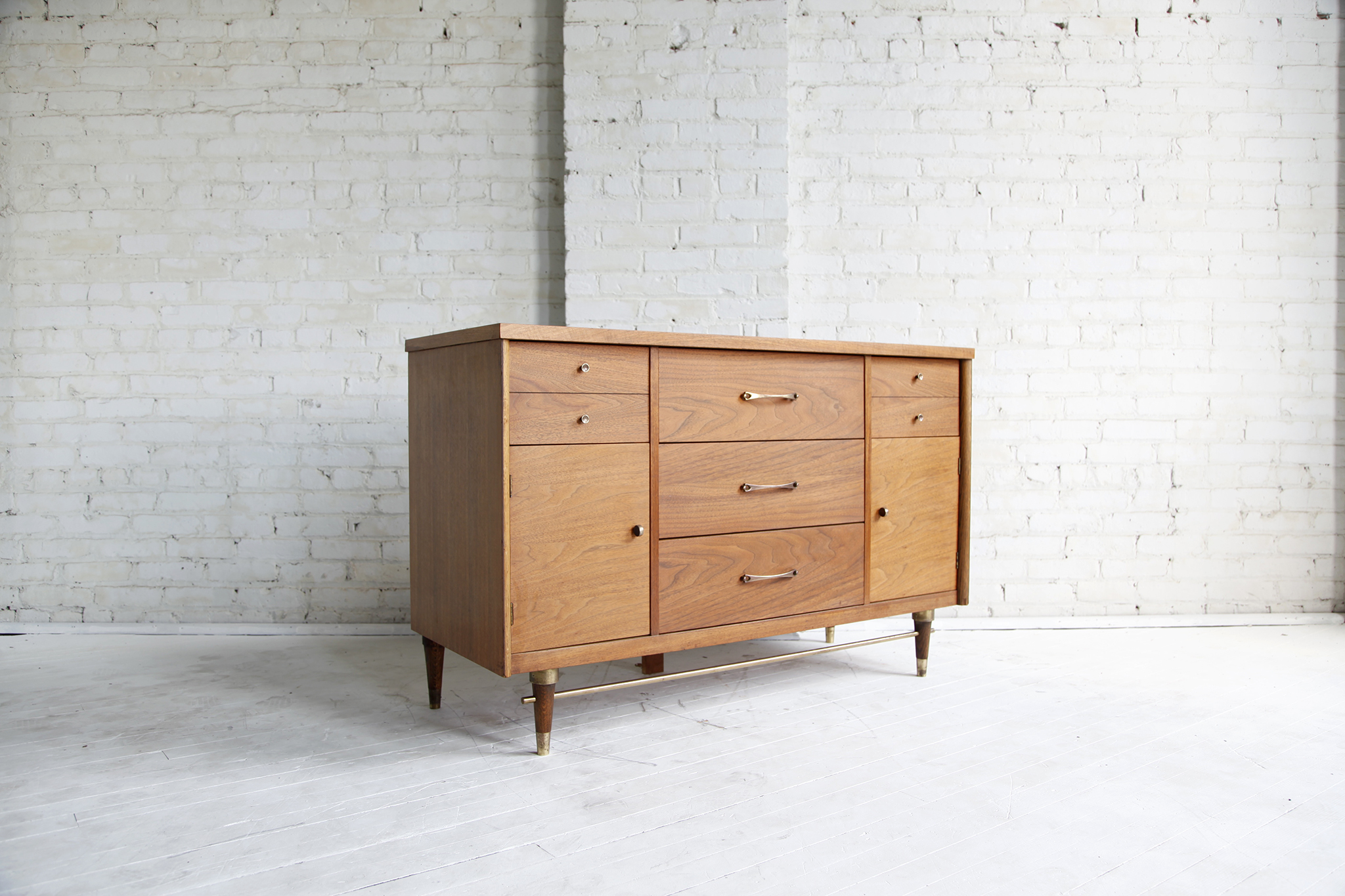 Delightful Mid Century Modern Credenza By Bassett Furniture