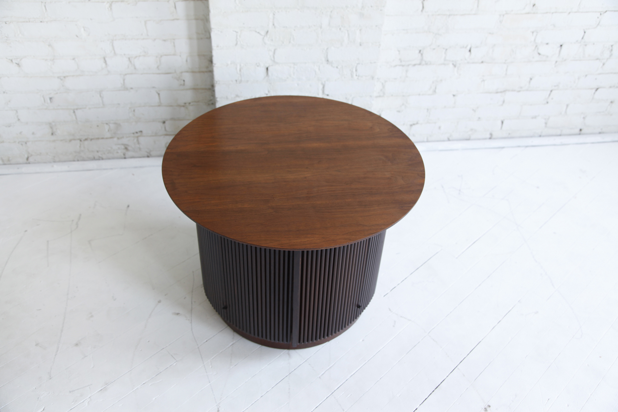 Mid century modern round coffee table by Lane – MCMBKNY