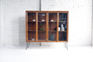Mid century modern sideboard / china cabinet mcmkbny