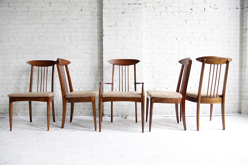 Sold 5 Broyhill Premeir Sculptra Dining Chairs Omasa
