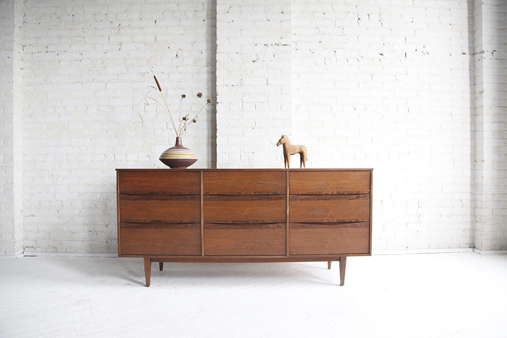Sold 9 drawer dresser by bassett furniture omasa projects for Mid century modern furniture new york